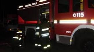 Lucca, crolla il tetto di una villetta: evacuate sei persone