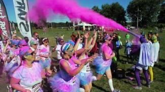 Color Vibe, corsa e colori: cinque chilometri di divertimento per tutti