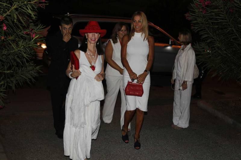Celebrity fight night grande serata a forte dei marmi nella villa di bocelli viareggio la - Bagno bocelli forte dei marmi ...