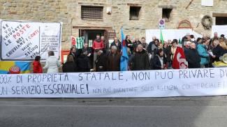 Tagli agli uffici postali dell'Umbria: dipendenti licenziate dalle ditte di pulizie