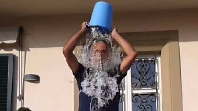La doccia ghiacciata di Andrea Bocelli