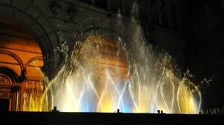 Anche il Prato nella città di Natale: via libera alle fontane danzanti