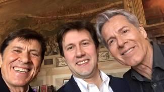 Nardella show a Palazzo Vecchio: il sindaco canta con Morandi e Baglioni
