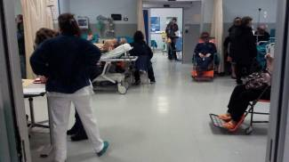 Barelle occupate e malati in attesa. Ancora caos al Pronto soccorso