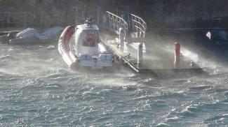Maltempo, lo spettacolo del mare in tempesta all'isola d'Elba