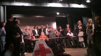 Gli assessori comunali diventano cantanti per la Croce Rossa