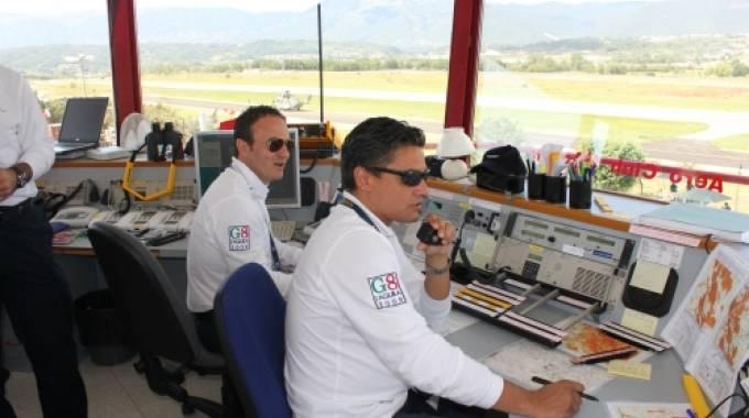 Aereo Privato Firenze : Atterraggio d emergenza per un aereo privato umbria la