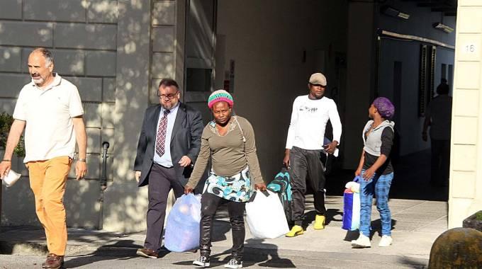 FUGGITI E ACCOLTI I primi profughi arrivati a Pontedera nel 2011. Sono persone scappate dalle zone di guerra (Foto Germogli)