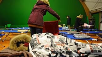 Il campo sportivo a Greve in Chianti allestito per chi ha paura a dormire in casa per il terremoto