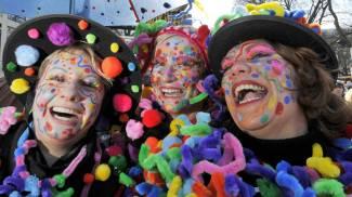 Cecina, il Carnevale dei bambini: carri, Minions e scontrino d'oro