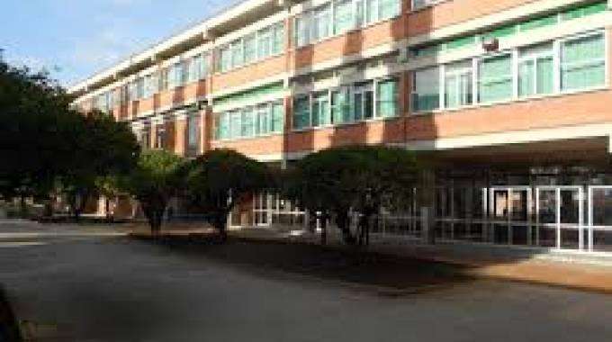 Liceo Carducci Allagato 300 Ragazzi Tornano A Casa Pisa